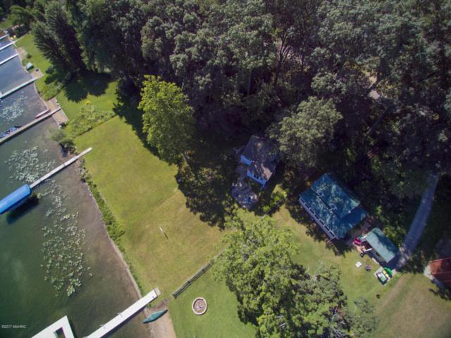 10142 Sycamore Beach Drive, Three Rivers, MI 49093 (MLS #18016642) :: Deb Stevenson Group - Greenridge Realty