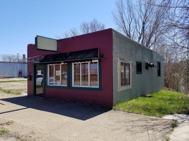 356 Territorial Road, Benton Harbor, MI 49022 (MLS #18017420) :: Deb Stevenson Group - Greenridge Realty
