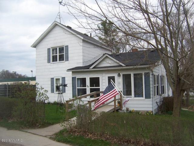 133 S Lincoln Street, Stanton, MI 48888 (MLS #18018220) :: 42 North Realty Group