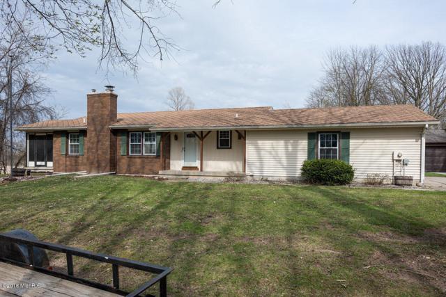 4412 Fruit Ridge Avenue NW, Grand Rapids, MI 49544 (MLS #18018624) :: Deb Stevenson Group - Greenridge Realty