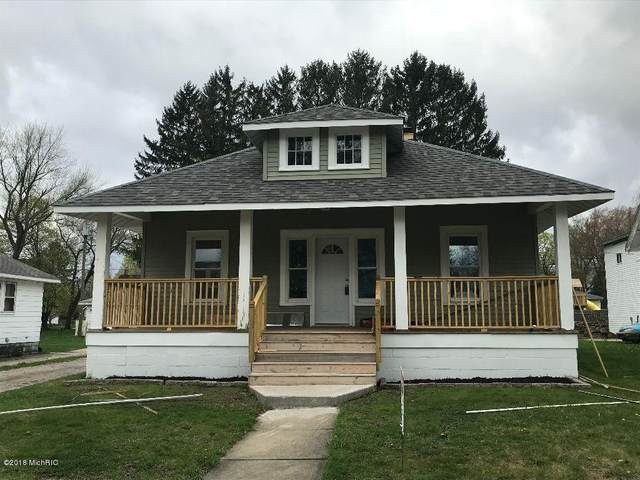 308 Cecil Street, Buchanan, MI 49107 (MLS #18018668) :: Deb Stevenson Group - Greenridge Realty