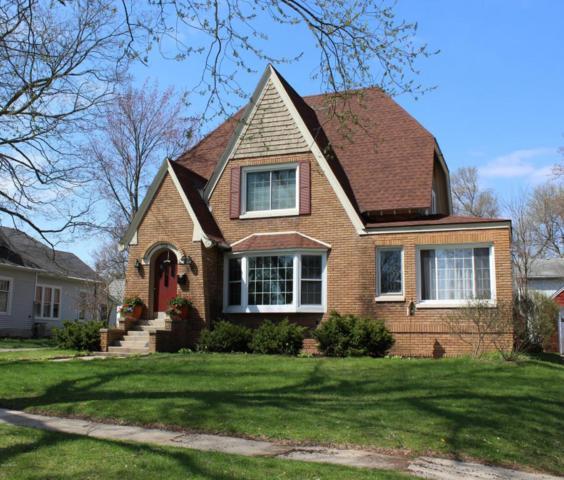 710 W Cass Street, Greenville, MI 48838 (MLS #18018794) :: Deb Stevenson Group - Greenridge Realty