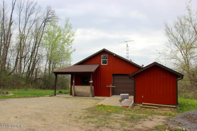 2504 E Litchfield Road, Jonesville, MI 49250 (MLS #18018968) :: Deb Stevenson Group - Greenridge Realty