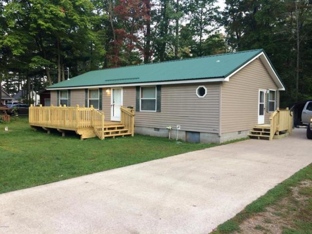 9800 Oak Street, Evart, MI 49631 (MLS #18018983) :: Carlson Realtors & Development
