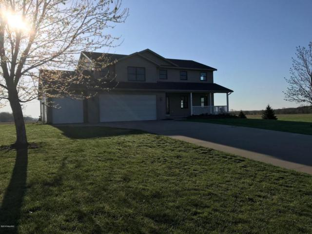 215 Donald Drive, Allegan, MI 49010 (MLS #18019023) :: Deb Stevenson Group - Greenridge Realty