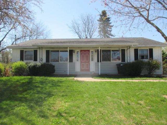 432 E Dayton Street, Fremont, MI 49412 (MLS #18019077) :: Deb Stevenson Group - Greenridge Realty