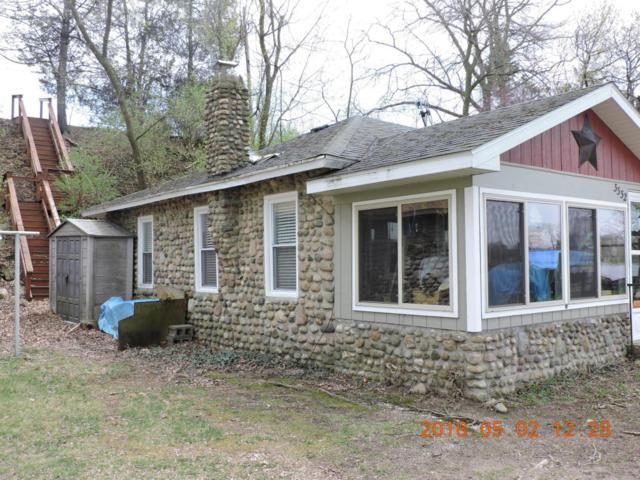 3332 Blackstone Avenue, Colon, MI 49040 (MLS #18019126) :: Deb Stevenson Group - Greenridge Realty