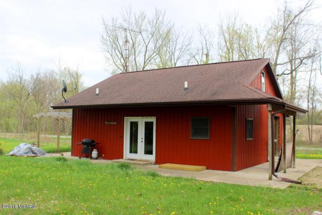 2504 E Litchfield Road, Jonesville, MI 49250 (MLS #18019134) :: Deb Stevenson Group - Greenridge Realty