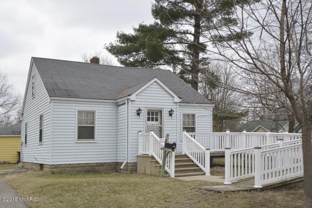 313 N Van Buren Street, Paw Paw, MI 49079 (MLS #18019313) :: Deb Stevenson Group - Greenridge Realty