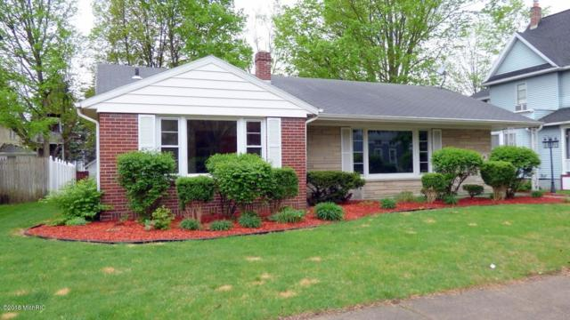 203 Green Street, Dowagiac, MI 49047 (MLS #18020230) :: Deb Stevenson Group - Greenridge Realty