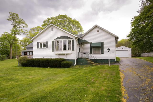 1105 S Marshall Avenue, Marshall, MI 49068 (MLS #18020316) :: Deb Stevenson Group - Greenridge Realty
