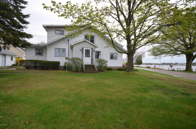 16789 Lakeview Avenue, Spring Lake, MI 49456 (MLS #18020338) :: Carlson Realtors & Development