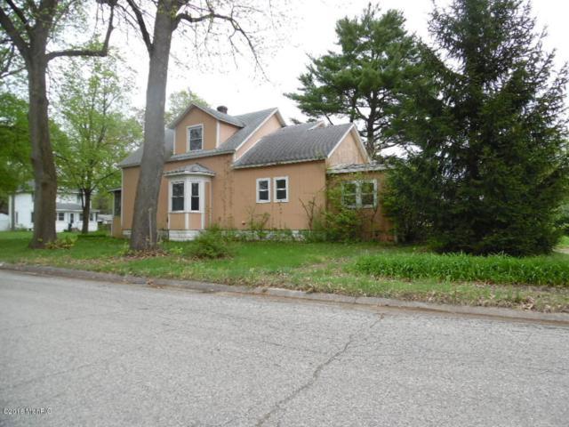 202 Bradley Street, Dowagiac, MI 49047 (MLS #18020359) :: Deb Stevenson Group - Greenridge Realty
