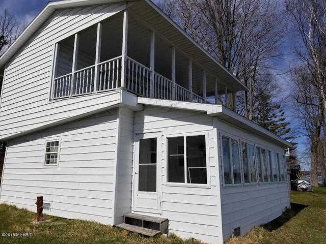 19832 Elmwood Avenue, Evart, MI 49631 (MLS #18020579) :: Carlson Realtors & Development