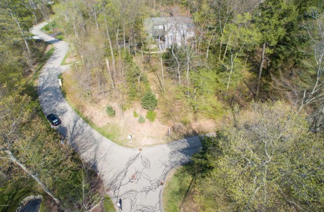 6650 Forest Beach Drive, Holland, MI 49423 (MLS #18020804) :: Carlson Realtors & Development