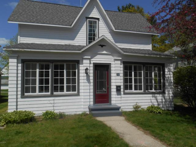 246 W Slosson Avenue, Reed City, MI 49677 (MLS #18020866) :: Carlson Realtors & Development
