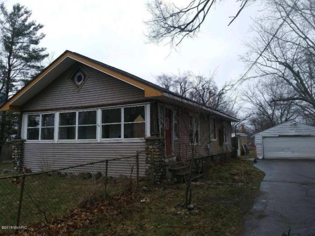 426 N 32nd Street, Springfield, MI 49037 (MLS #18020950) :: Deb Stevenson Group - Greenridge Realty