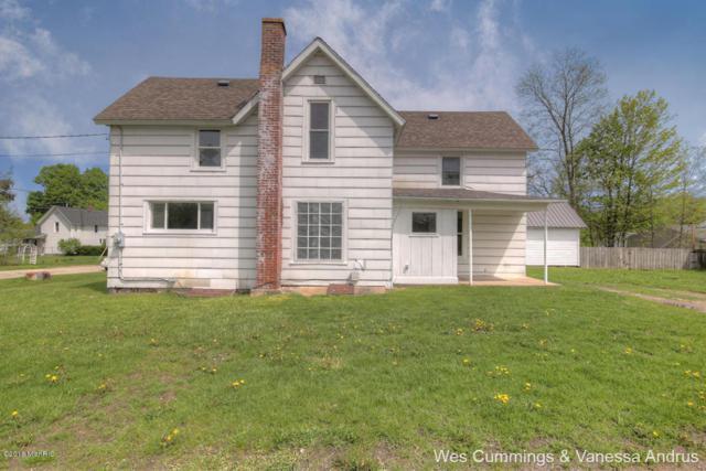 916 Pearl Street, Belding, MI 48809 (MLS #18020984) :: Carlson Realtors & Development