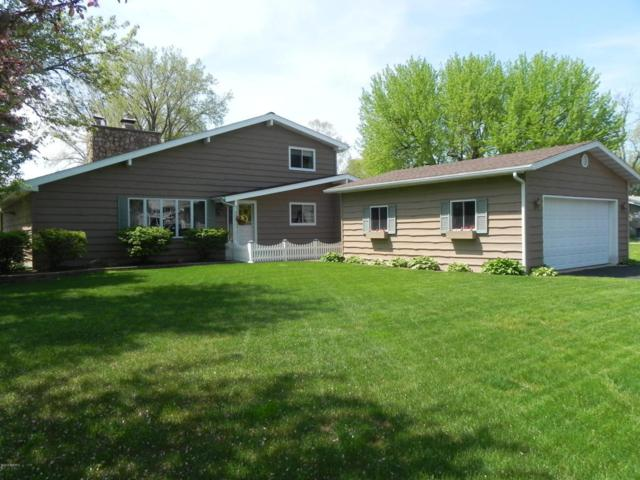 46851 Prospect Drive, Decatur, MI 49045 (MLS #18021222) :: 42 North Realty Group
