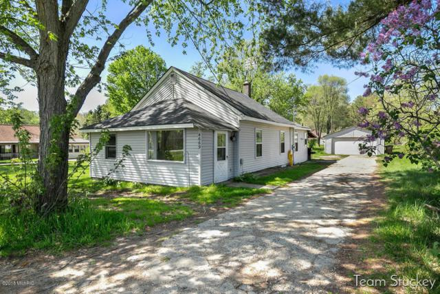 4669 13 Mile Road NE, Rockford, MI 49341 (MLS #18021245) :: Deb Stevenson Group - Greenridge Realty