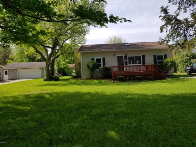 230 Cutter Avenue, Coldwater, MI 49036 (MLS #18021354) :: Deb Stevenson Group - Greenridge Realty