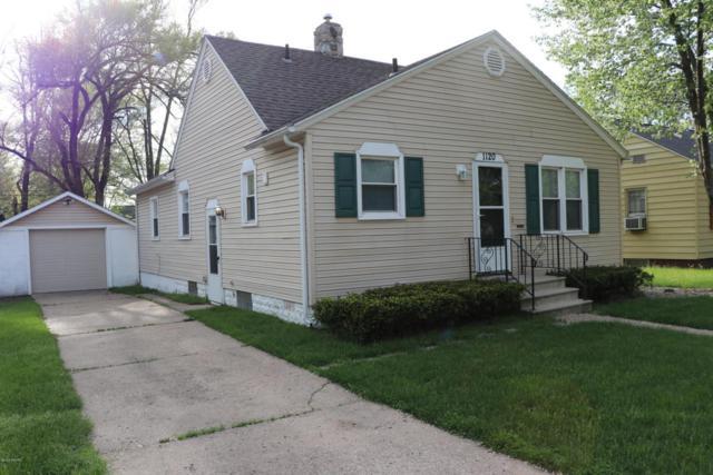 1120 Bishop Avenue, Benton Harbor, MI 49022 (MLS #18021562) :: Deb Stevenson Group - Greenridge Realty