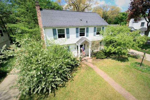 1041 Cambridge Drive SE, East Grand Rapids, MI 49506 (MLS #18021640) :: Deb Stevenson Group - Greenridge Realty