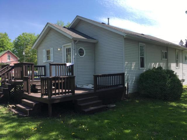 759 Second Avenue, Lake Odessa, MI 48849 (MLS #18021676) :: Deb Stevenson Group - Greenridge Realty