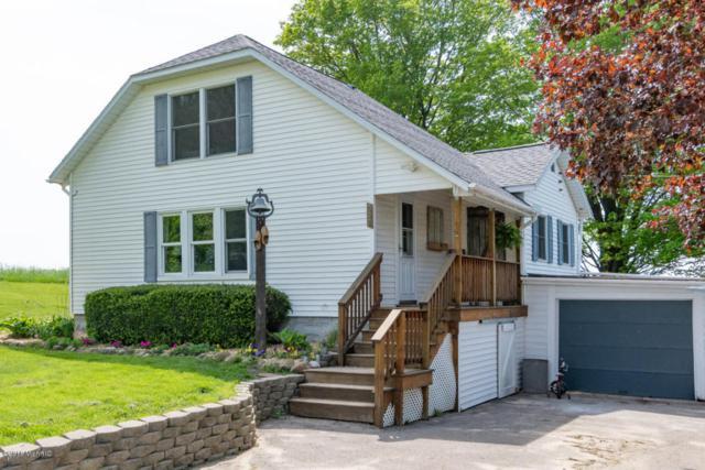802 64th Street, South Haven, MI 49090 (MLS #18021876) :: Deb Stevenson Group - Greenridge Realty