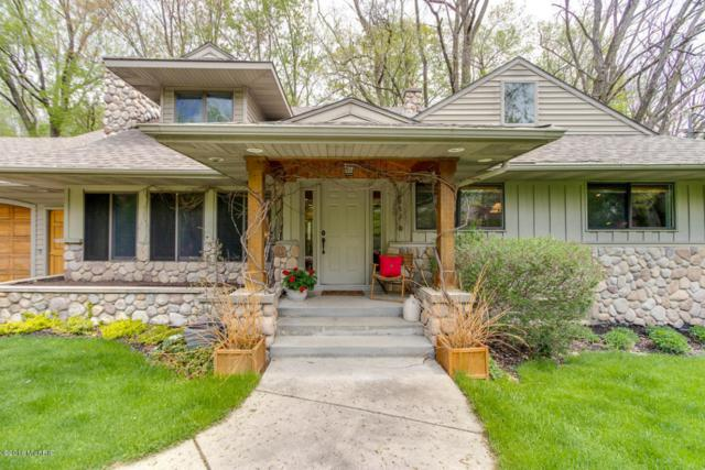 2863 Reeds Lake Boulevard SE, East Grand Rapids, MI 49506 (MLS #18021911) :: Deb Stevenson Group - Greenridge Realty