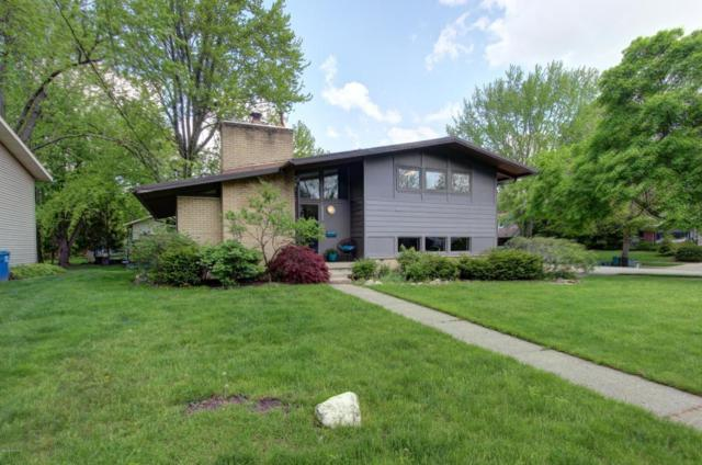 2255 Boston Street SE, Grand Rapids, MI 49506 (MLS #18021933) :: Deb Stevenson Group - Greenridge Realty