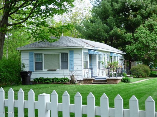 57 N North Shore Drive N, South Haven, MI 49090 (MLS #18021935) :: Deb Stevenson Group - Greenridge Realty