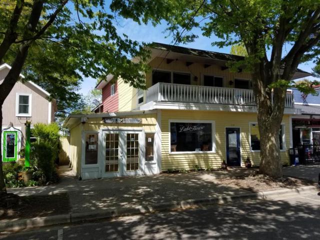 118 Hoffman Street, Saugatuck, MI 49453 (MLS #18022294) :: Deb Stevenson Group - Greenridge Realty