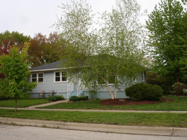 916 S Albee Street, Grand Haven, MI 49417 (MLS #18022658) :: Deb Stevenson Group - Greenridge Realty