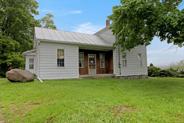 10176-B Algoma Avenue NE, Rockford, MI 49341 (MLS #18022786) :: Carlson Realtors & Development