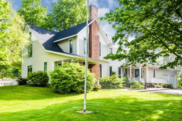 2303 Lakeview Avenue, St. Joseph, MI 49085 (MLS #18023014) :: Carlson Realtors & Development