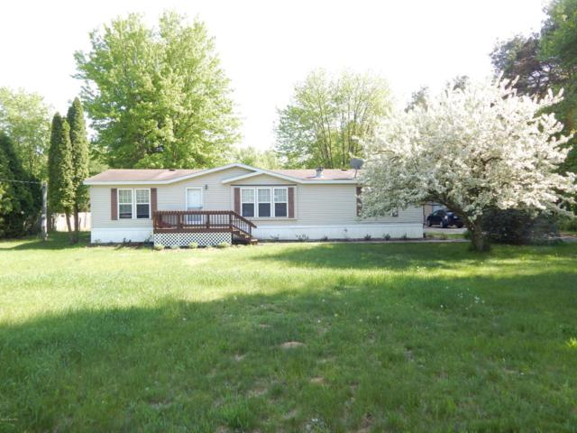 1250 22 Mile Road NW, Kent City, MI 49330 (MLS #18023222) :: Carlson Realtors & Development