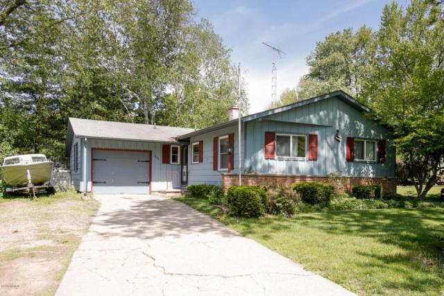 511 East Drive, Marshall, MI 49068 (MLS #18023404) :: Carlson Realtors & Development