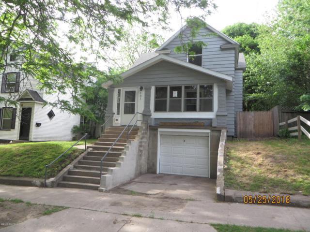 107 Quimby Street NE, Grand Rapids, MI 49505 (MLS #18023471) :: Carlson Realtors & Development