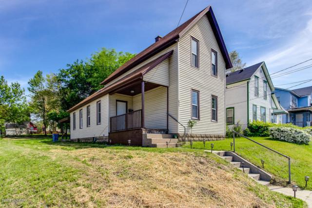 627 Franklin Street SE, Grand Rapids, MI 49507 (MLS #18023508) :: Carlson Realtors & Development
