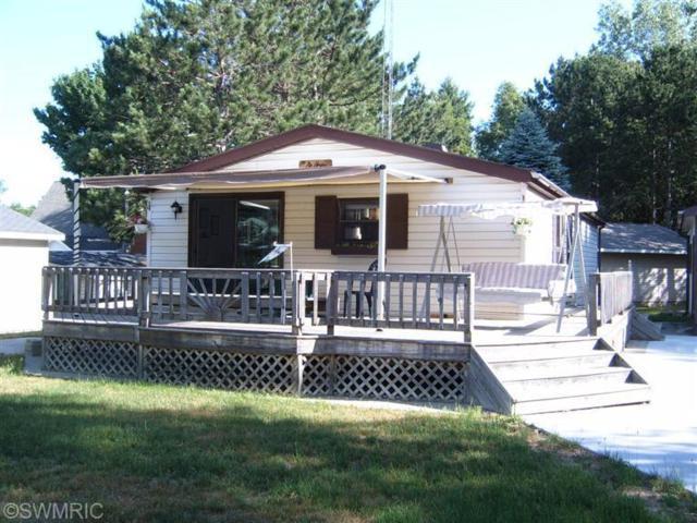 1902 White Birch Drive, Mears, MI 49436 (MLS #18023523) :: Carlson Realtors & Development