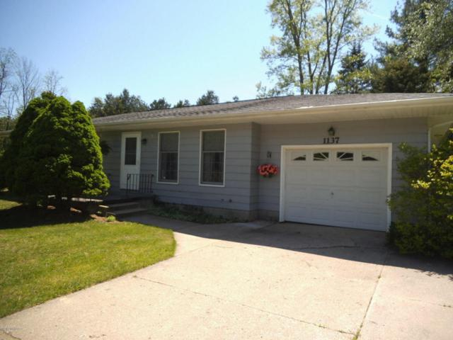 1137 Wilshire Drive, Whitehall, MI 49461 (MLS #18024857) :: 42 North Realty Group