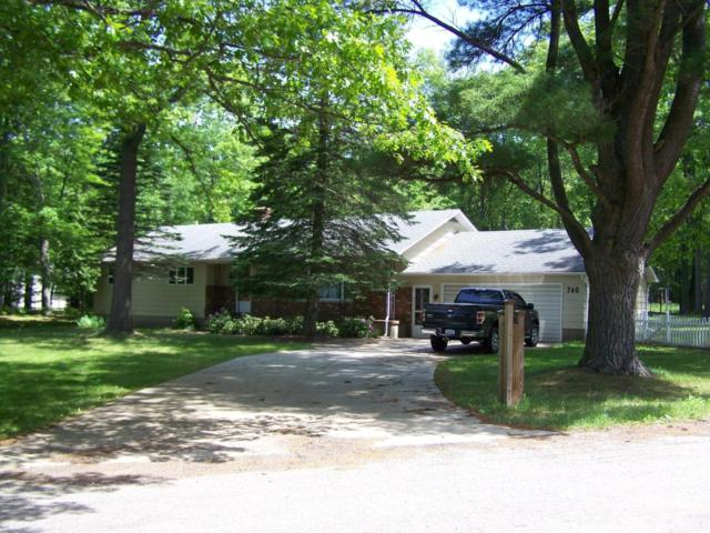 760 E Hanover Street, Pentwater, MI 49449 (MLS #18027454) :: 42 North Realty Group