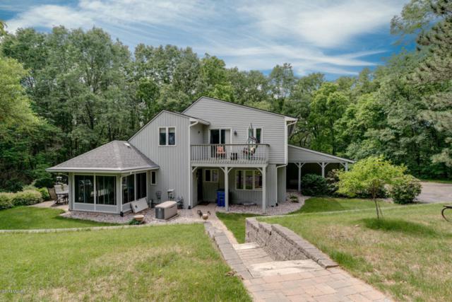 2740 S 8th Street, Kalamazoo, MI 49009 (MLS #18027951) :: Matt Mulder Home Selling Team