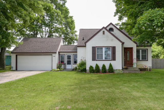 406 Naomi Street, Plainwell, MI 49080 (MLS #18028164) :: Matt Mulder Home Selling Team