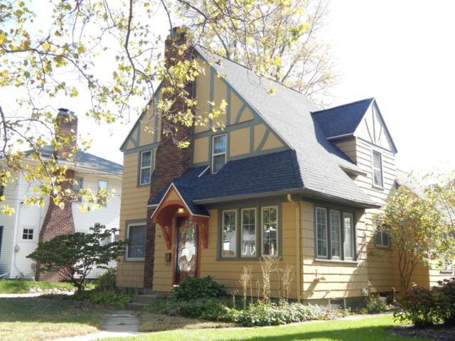 2426 Gilmour Street SE, Grand Rapids, MI 49506 (MLS #18028292) :: JH Realty Partners