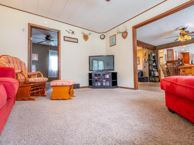 109 Main Street, Blanchard, MI 49310 (MLS #18028479) :: 42 North Realty Group