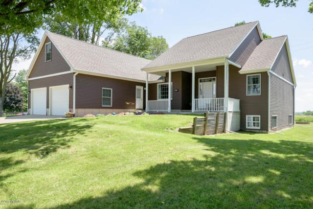 2428 103rd Avenue, Otsego, MI 49078 (MLS #18028634) :: Matt Mulder Home Selling Team