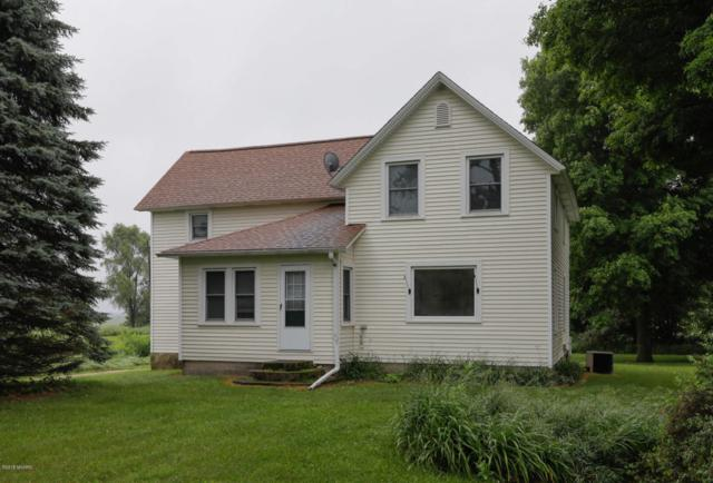 32563 88th Street, Lawton, MI 49065 (MLS #18028690) :: Matt Mulder Home Selling Team