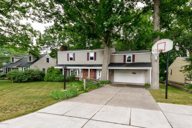 343 Lantern Drive NW, Comstock Park, MI 49321 (MLS #18028783) :: Matt Mulder Home Selling Team